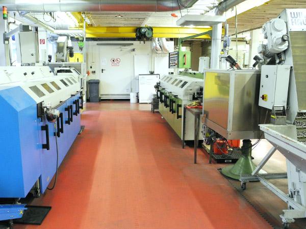 Produktionsbereich vollautomatisierte Gewindedichtung